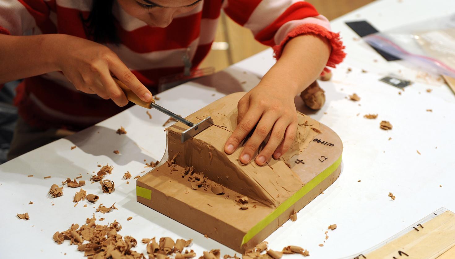 すべてのプロダクトデザイナーにおすすめ!  立体構築力を磨く、クレイモデル造形 技能講習会