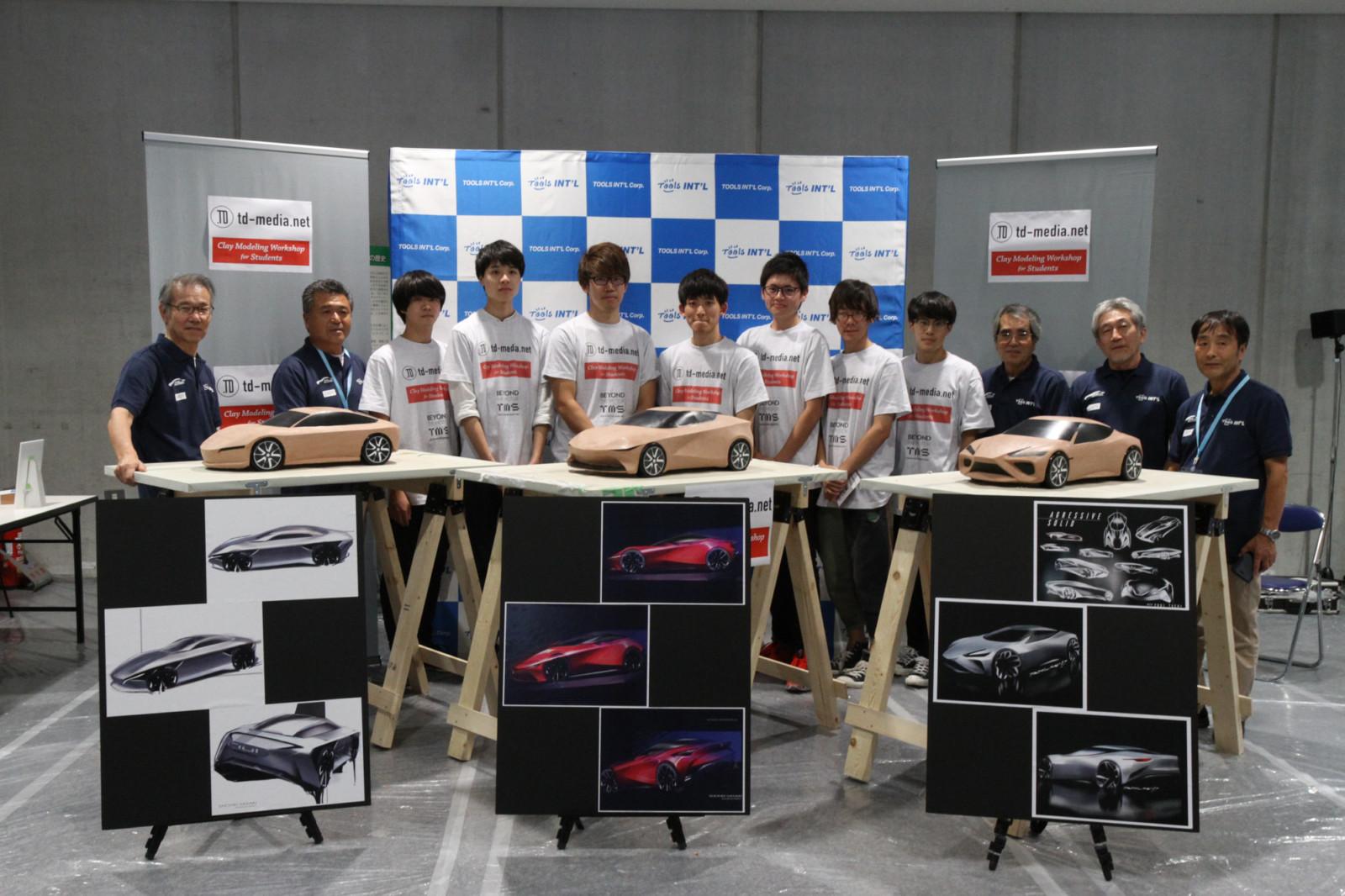東京モーターショーに工房出現?!  学生たちが制作する1/5クレイモデル