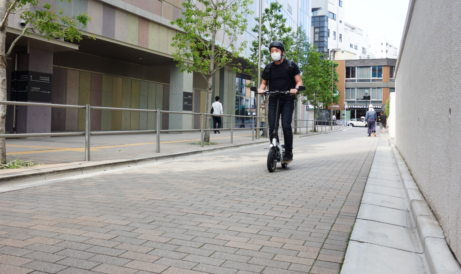 【試乗レポ】バイクでもキックスクーターでもない。   glafitの新立ち乗りモビリティ、LOMに期待すること